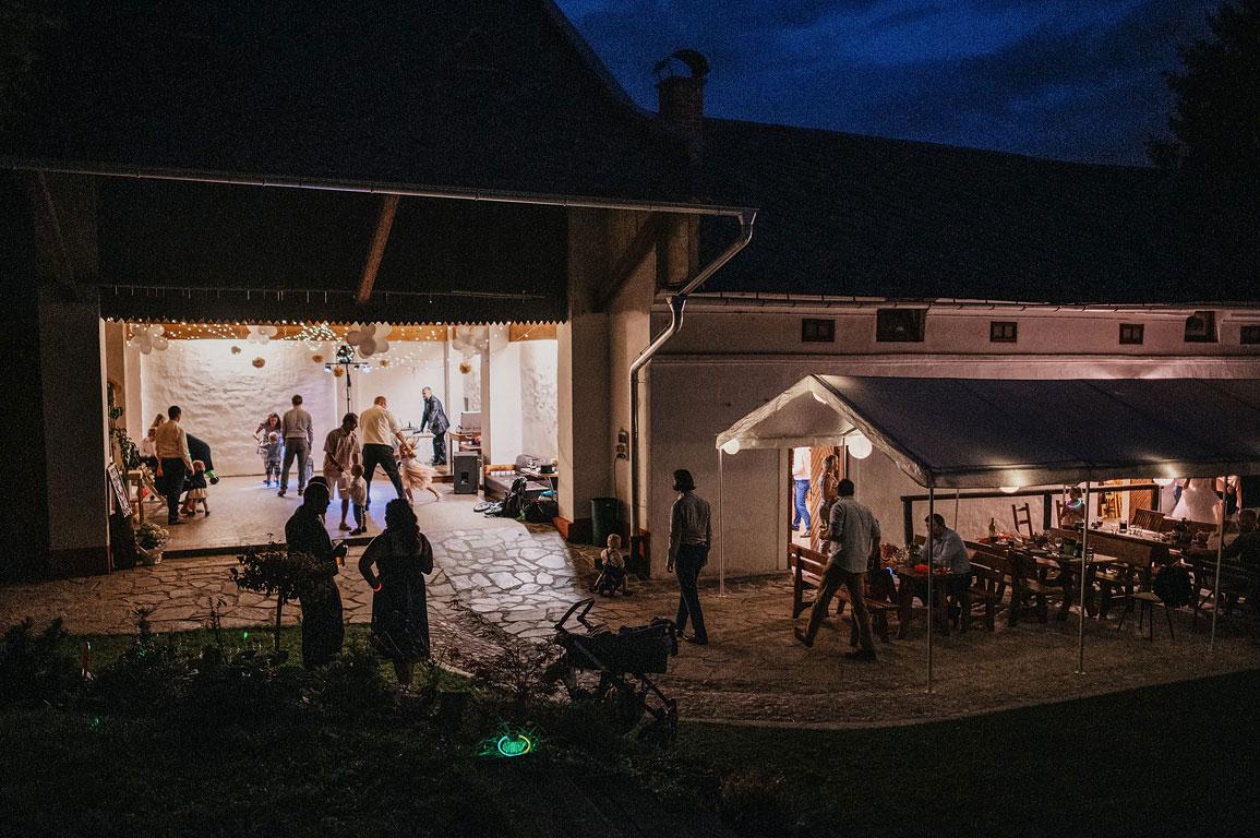 Noční svatební zábava na Slezském Gruntu